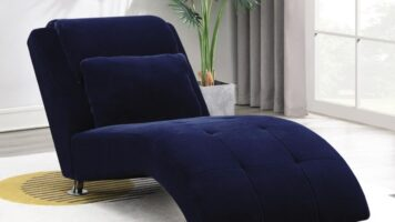 Accent Chaise & Settee